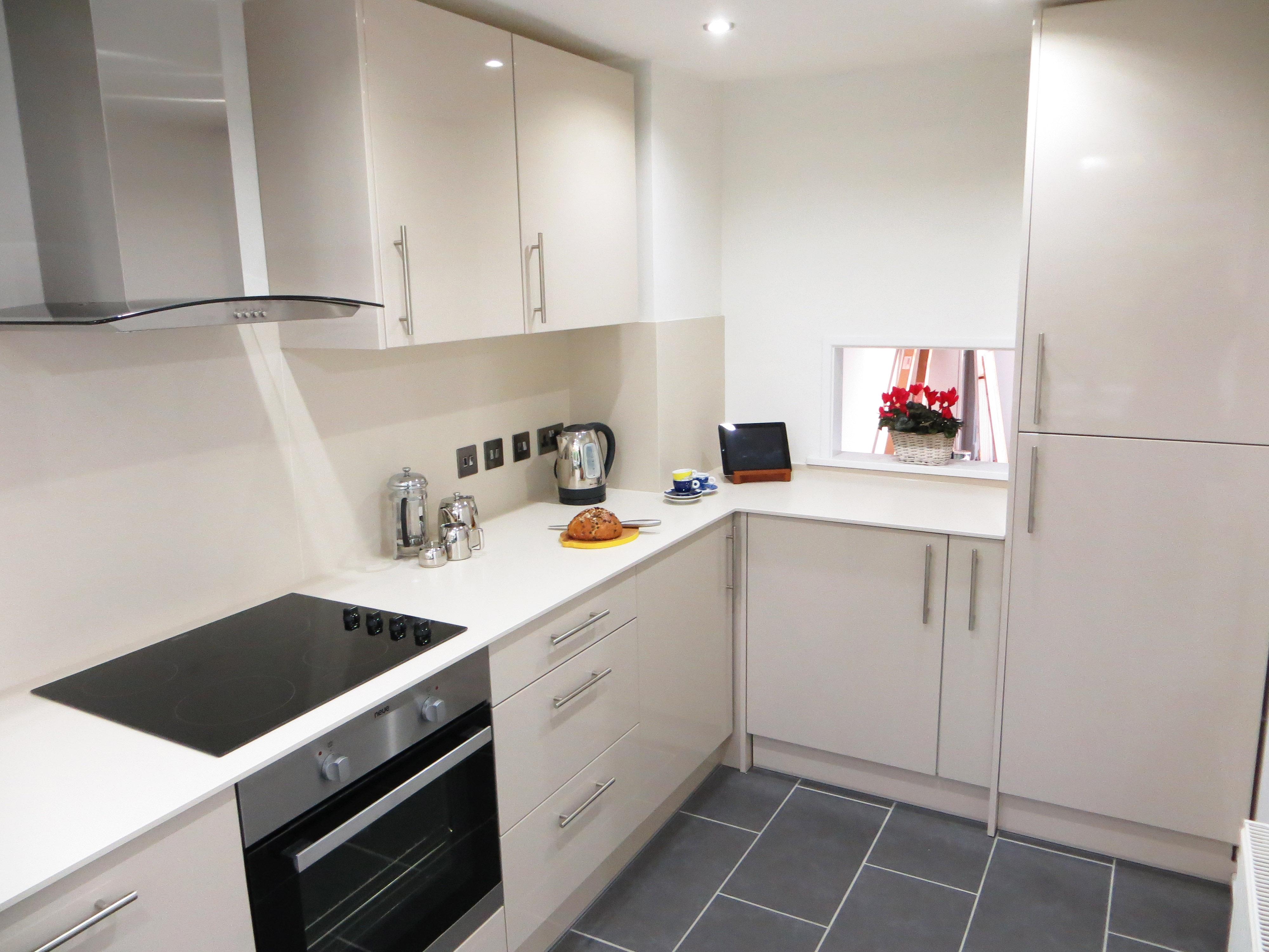 galley kitchen rickmansworth - M Kitchen