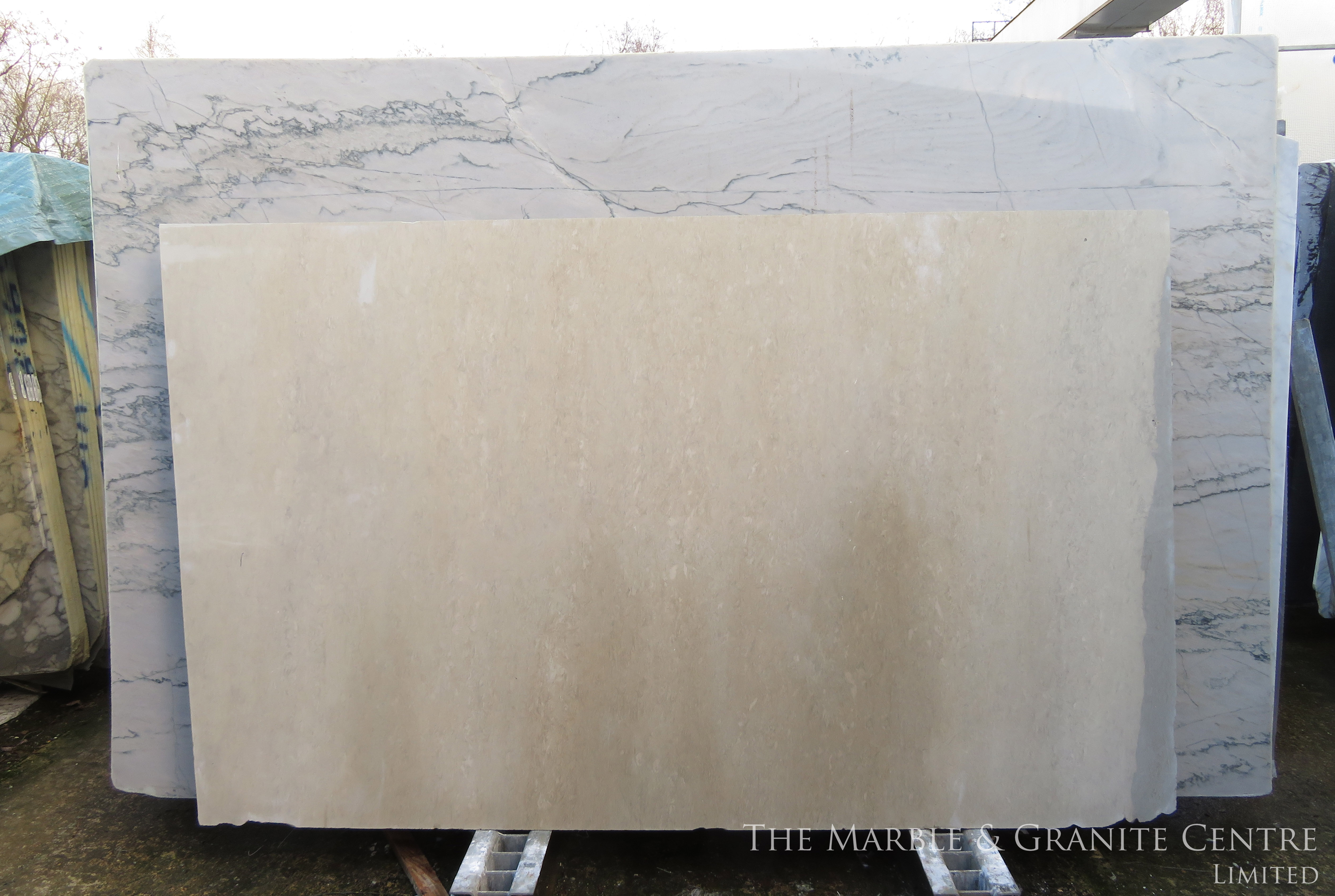 Limestone Bateig Beige Honed 20 mm [4020]