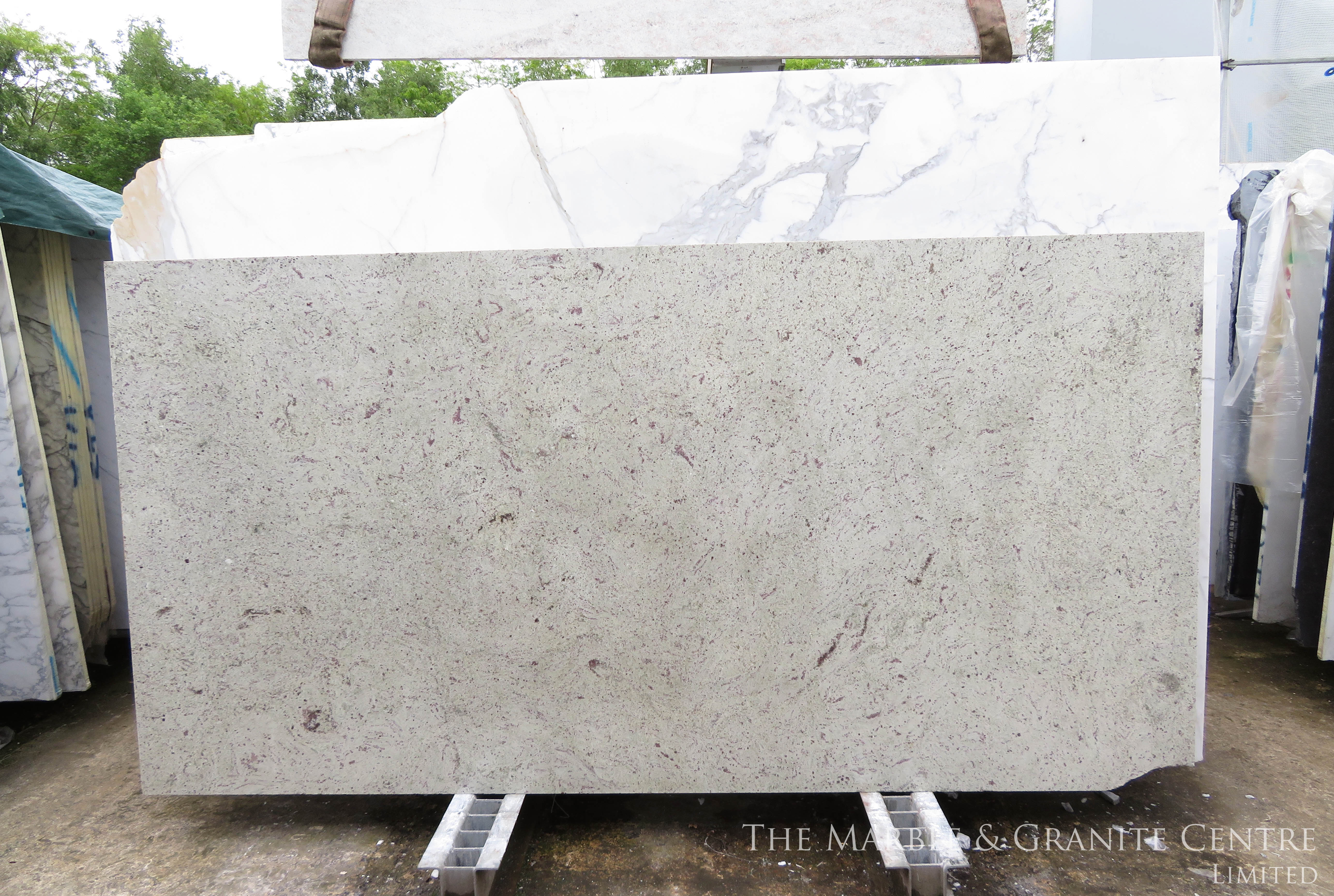 Granite Amba White Polished 20 mm [8588]